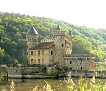 chateau de la roche    CC du Pays entre Loire et Rhône